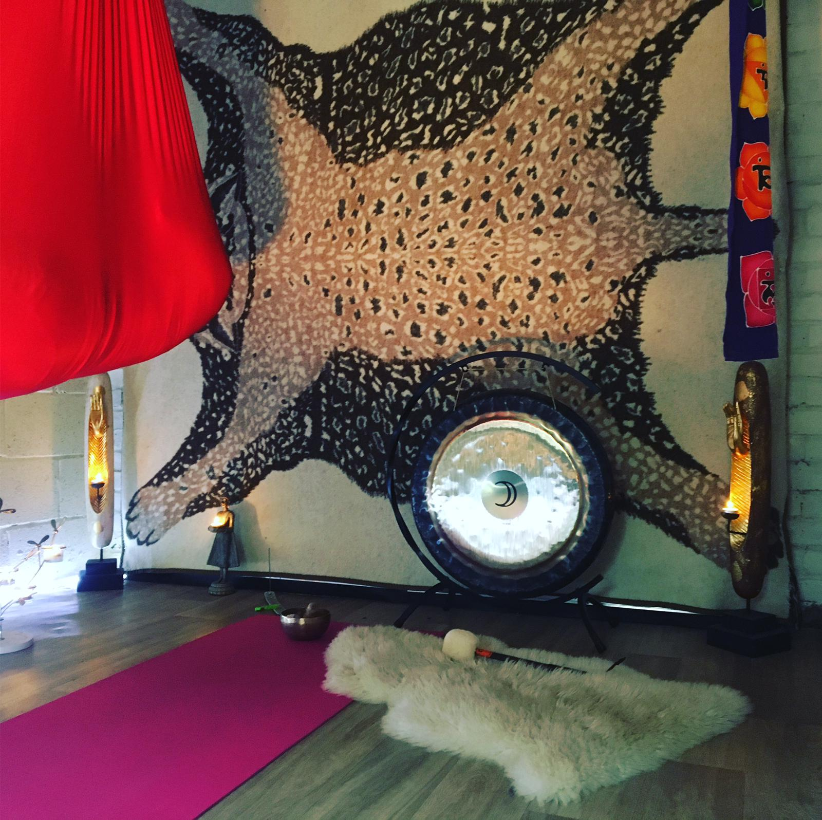 YOGA BY CANDLELIGHT - Cocoon Meditation